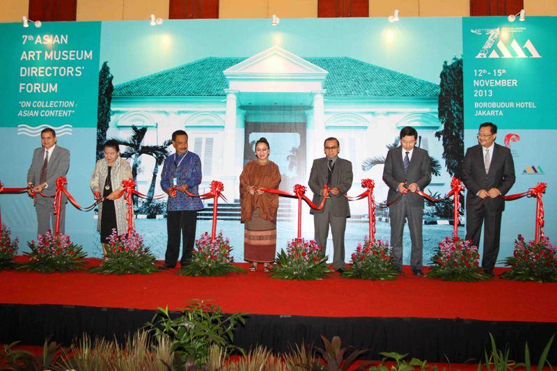 Pembukaan Forum Direktur museum seni Asian ke 7, yang diadakan di Hotel Borobudur-Jakarta, Rabu (13/11).