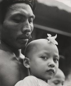 Gotthard Schuh, A high Brahmin prays with his child, Bali. National Gallery of Australia