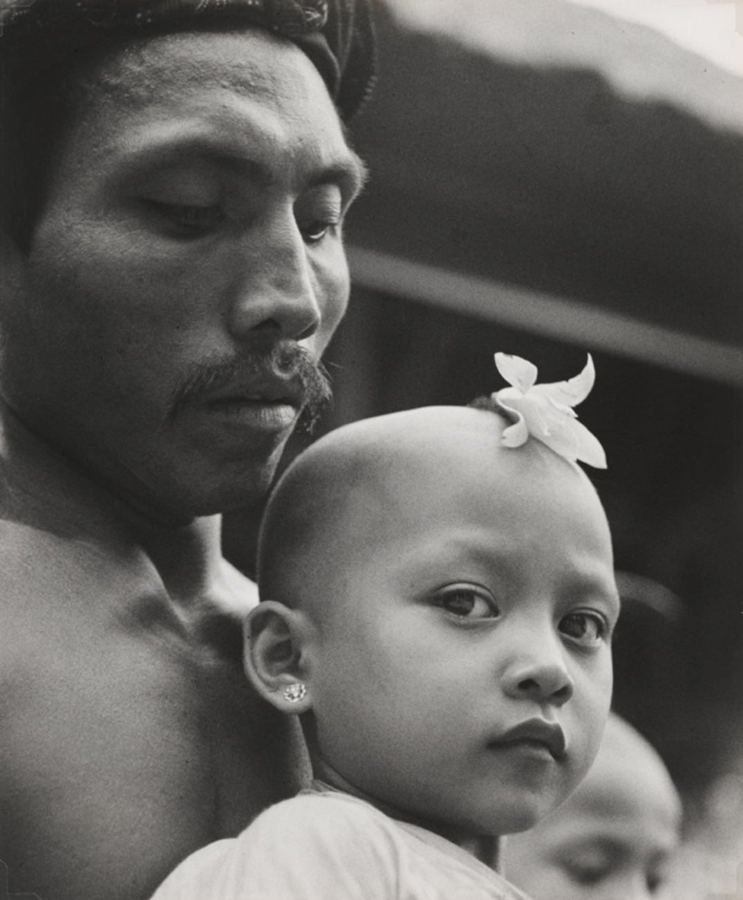 Gotthard Schuh, A high Brahmin prays with his child, Bali. National Gallery of Australia