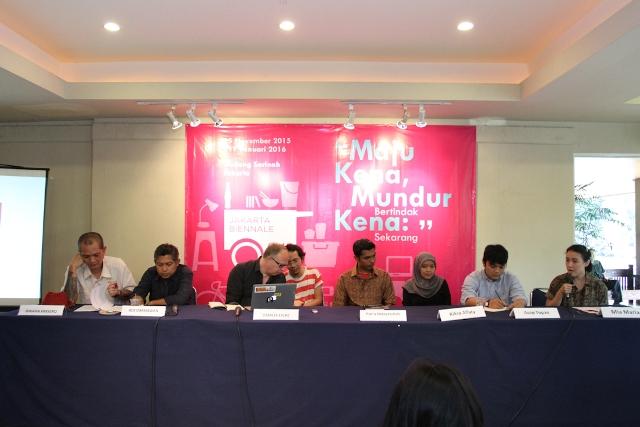 Pembicara dalam konferensi pers Jakarta Biennale 2015 (sumber: dokumentasi Dewan Kesenian Jakarta)