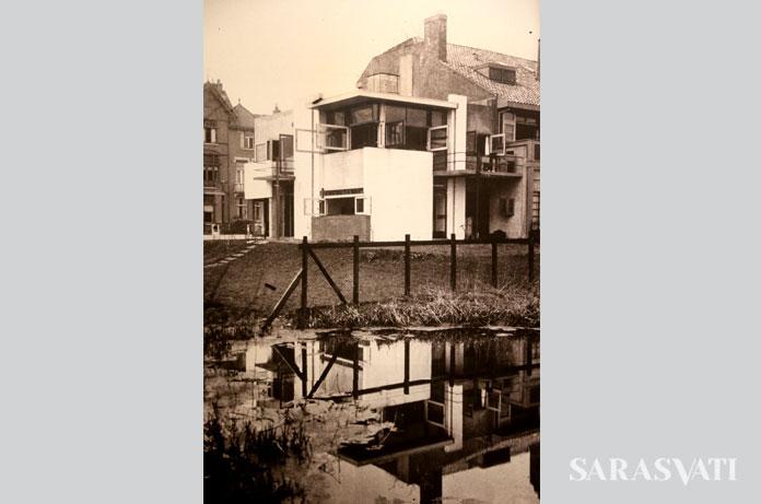 Foto dokumentasi rumah bergerak Rietveld Schorder