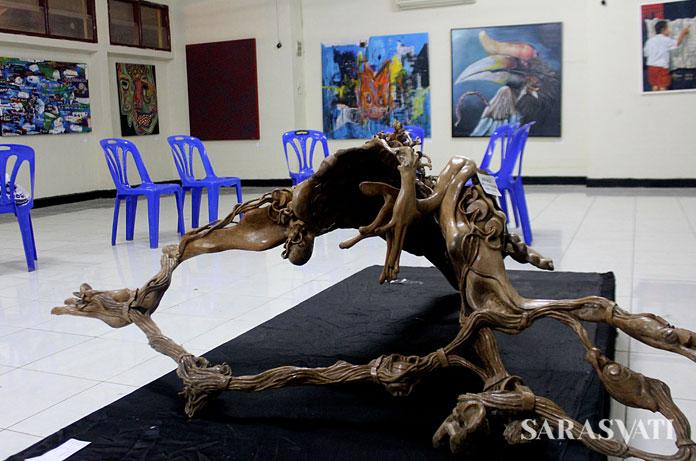 Ruang galeri seni Taman Budaya Sumut yang kurang representatif untuk instalasi seni bertaraf regional