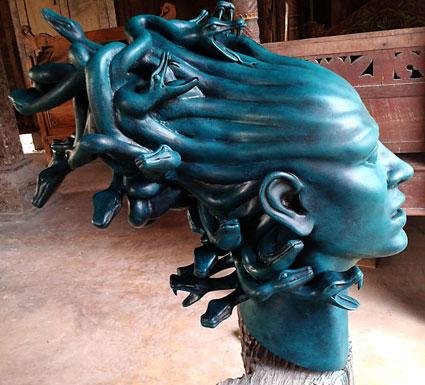 Hair-Style-of-Medusa_Bambang-Adi-Pramono__Material-Fiberglass-55x40x45-cm_small