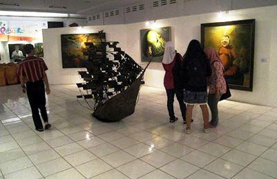 Pameran seni rupa 'Gelar Seni Budaya Pesisir 2013', mendapat sambutan hangat para seniman dan masyarakat lokal.