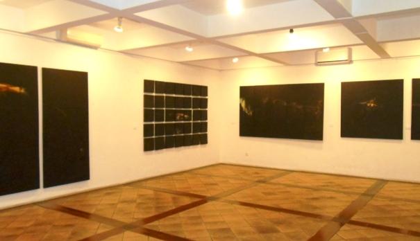 Suasana Pameran Peziarah karya Andi Suandi di Galeri Cemara 6