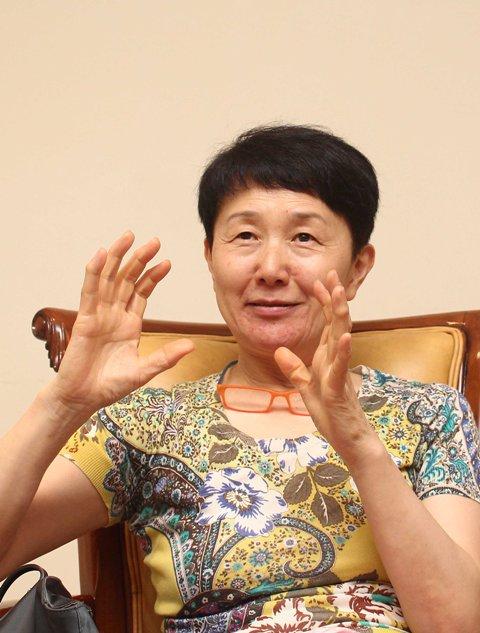 Sunny Sung, pendiri Simyo Gallery di Korea Selatan sekaligus kurator pameran ini.