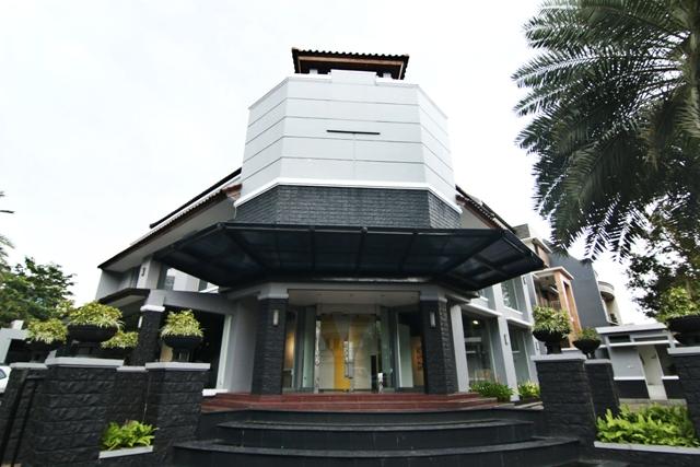 Gedung Ruci Art Space yang berlokasi di Jl. Suryo no.49, Jakarta.