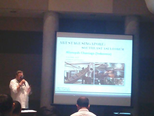 Lorenzo Rudolf, Presiden Art Stage Singapore, dalam sesi presentasi di Artotel Thamrin, Jakarta (19/11)