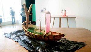 Miniatur instalasi Special Prayer for the Dead karya Tisna Sanjaya. (Foto: Renjana Widyakirana)