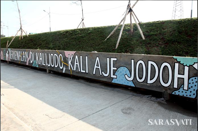 Kawasan Kalijodo berubah jadi ruang publik terpadu ramah anak (RPTRA) berhias graffiti. (Foto: Jacky Rachmansyah)