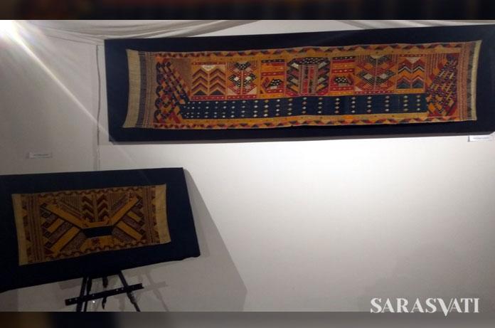 Kain kapal dan kain tapis Lampung.