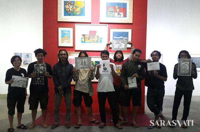 Para perupa muda setelah mengikuti lokakarya Gelatin Print oleh Riski Januar.